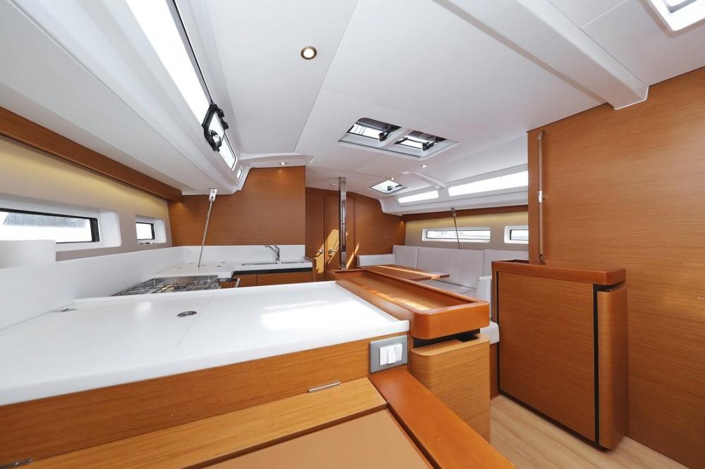 Alquiler de yate  - Jeanneau Sun Odyssey 440 en SamBoat