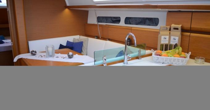 Alquiler de yate Ploče - Jeanneau Sun Odyssey 419 en SamBoat