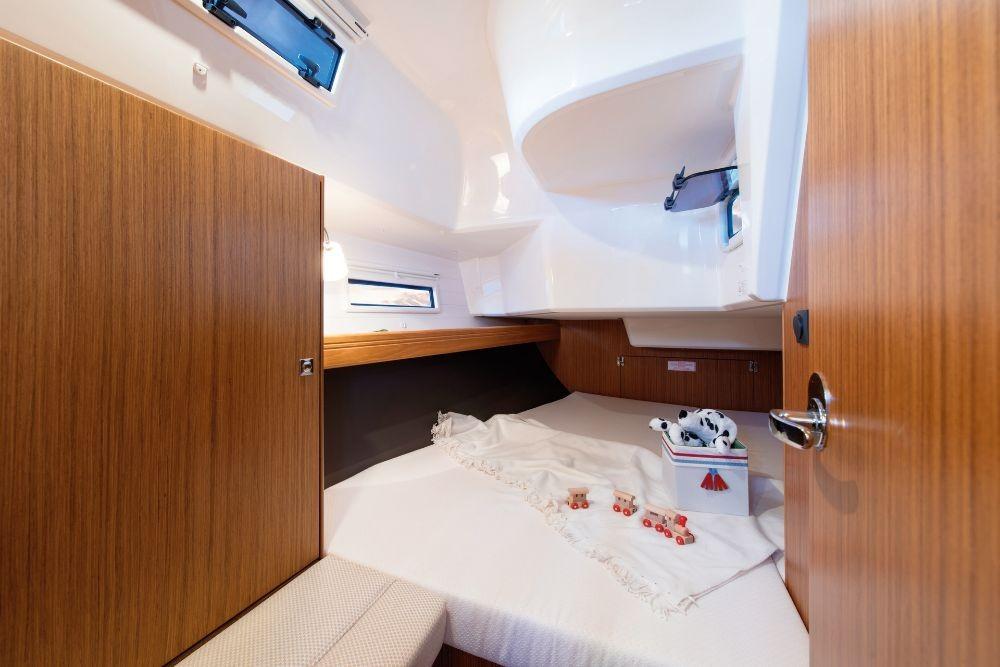 Alquiler de Bavaria Cruiser 37 en