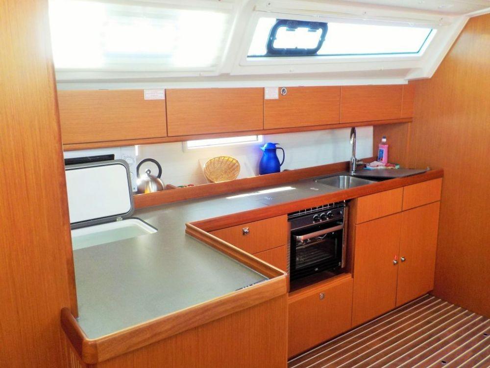 Bavaria Cruiser 46 entre particulares y profesional Pirovac