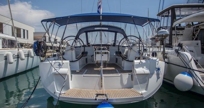 Alquiler de barcos Jeanneau Sun Odyssey 519 enDonji Seget en Samboat
