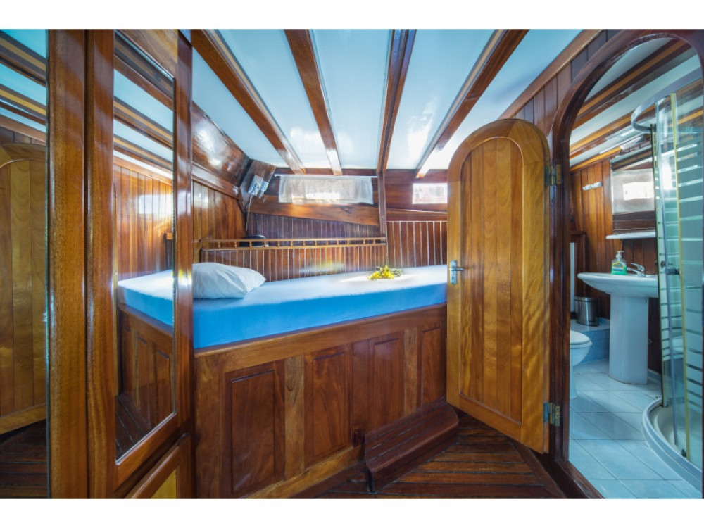 Alquiler de barcos Stobreč barato de Gulet