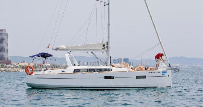 Alquiler de yate Barcelona - Bénéteau Oceanis 38 en SamBoat