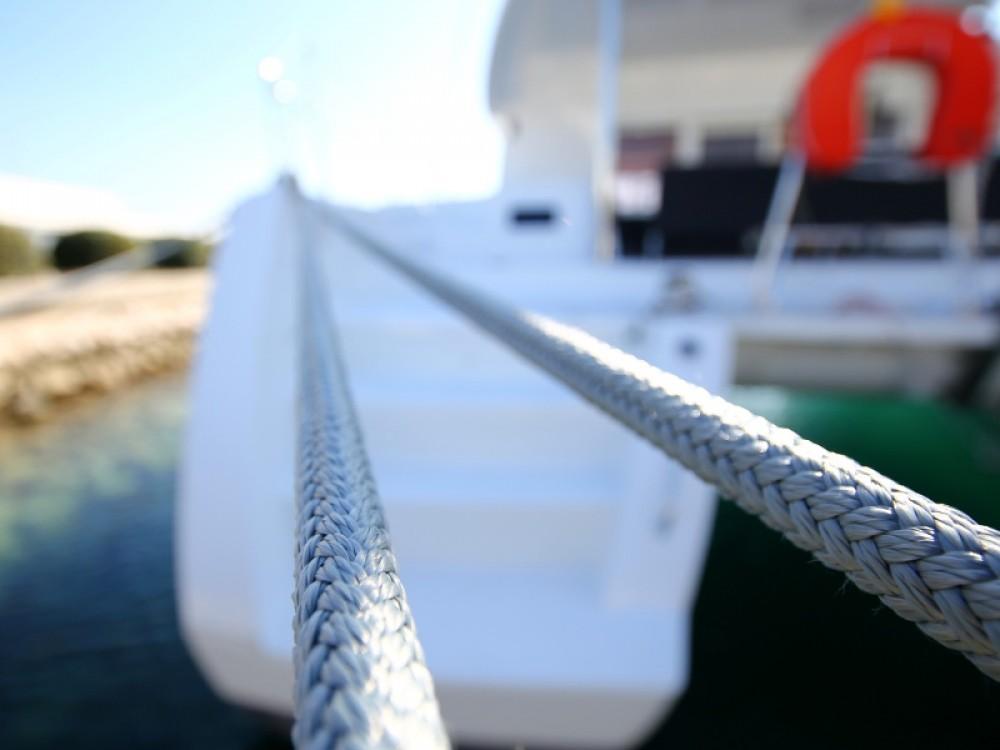 Alquiler de barcos Sukošan barato de Lagoon 450