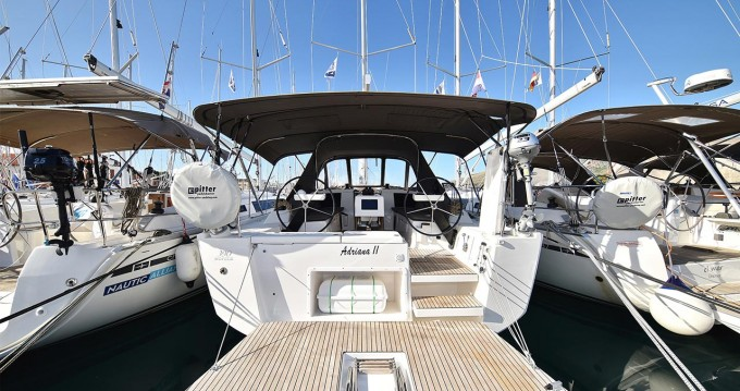 Alquiler de barcos Dufour Dufour 390 GL enTrogir en Samboat