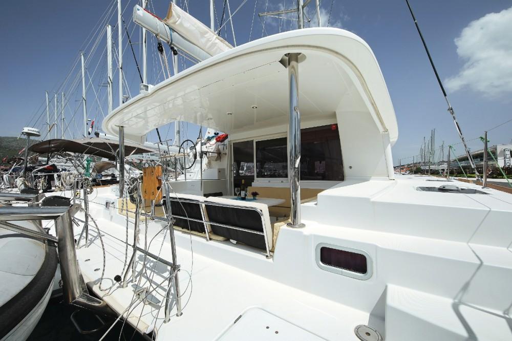 Alquiler de Lagoon Lagoon 400 en Trogir