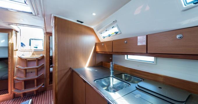 Alquiler de Bavaria Bavaria 45 Cruiser Owner version en Lefkada (Isla)