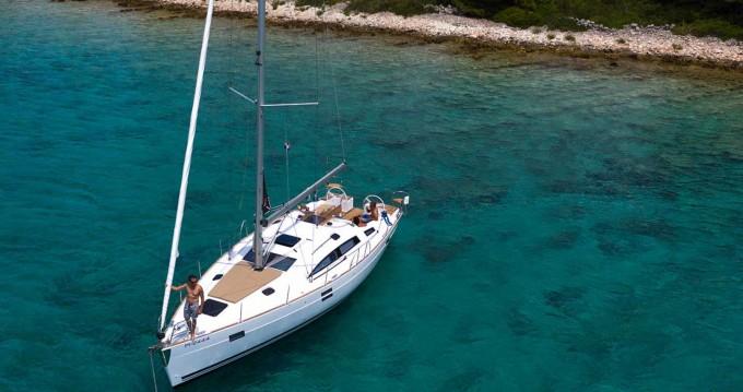 Alquiler de yate Valletta - Elan Impression 444 en SamBoat