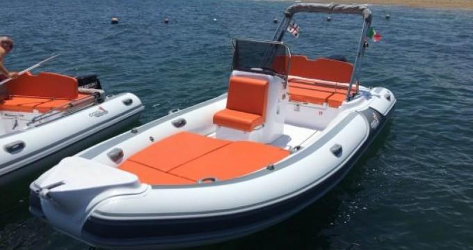 Alquiler de barcos Motonautica-Vesuviana MV 620 enLido del Sole en Samboat