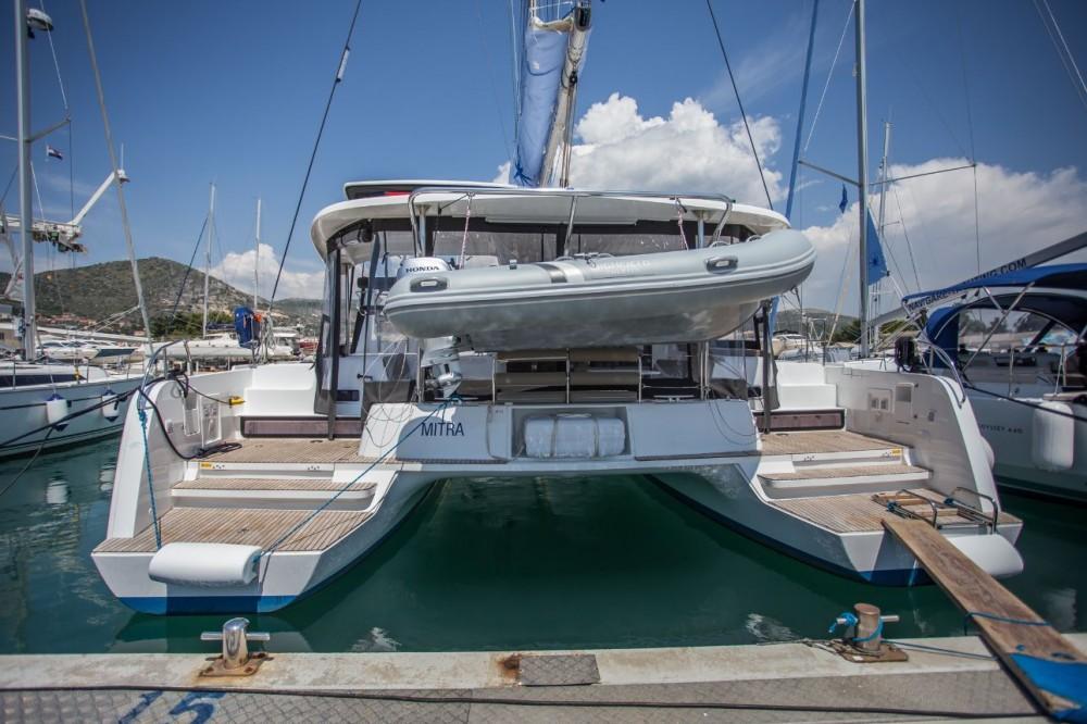 Alquiler de barcos  barato de Lagoon 42