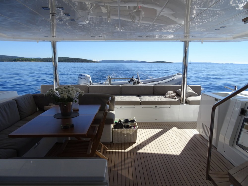 Alquiler de barcos  barato de Lagoon 560 S2
