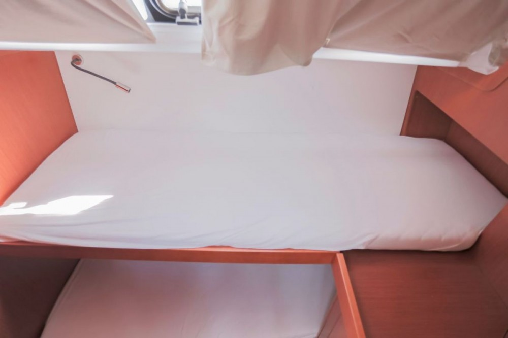 Alquiler de barcos  barato de Oceanis 48