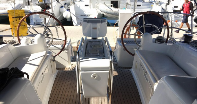 Alquiler de barcos Lávrio barato de Sun Odyssey 439