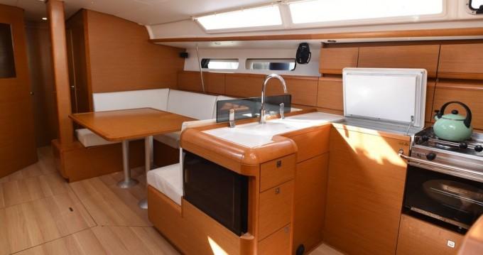 Alquiler de barcos Volos barato de Sun Odyssey 439