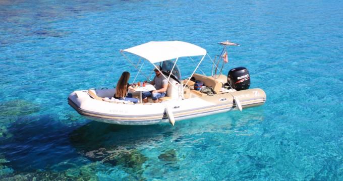 Alquiler de barcos Zodiac Medline 550 Neo enCiutadella en Samboat