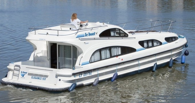 Alquiler Casa flotante CBL con título de navegación