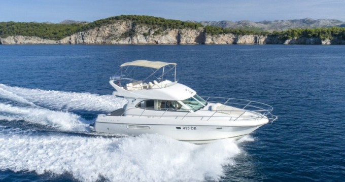 Alquiler de barcos Ragusa barato de Prestige 36