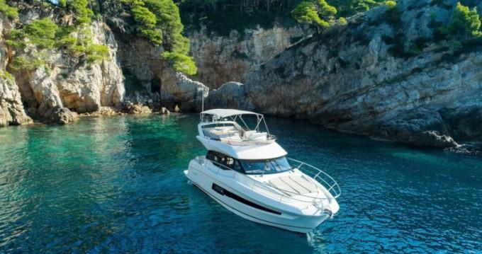 Alquiler de Jeanneau Prestige 460 en Ragusa