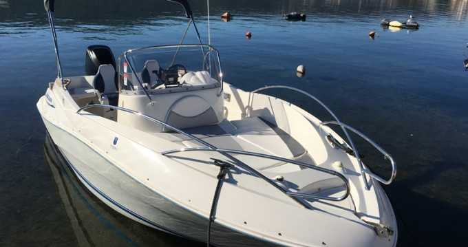 Alquiler de barcos Quicksilver Quicksilver 635 Commander enTrogir en Samboat