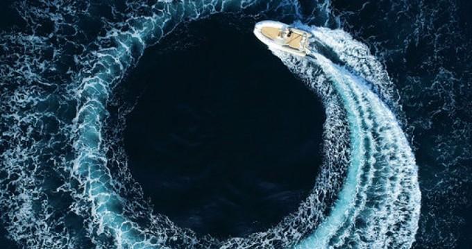 Alquiler de yate Cannes - Zodiac Medline 650 en SamBoat