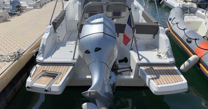 Alquiler de yate Le Grau-du-Roi - Jeanneau Cap Camarat 7.5 WA Serie 2 en SamBoat
