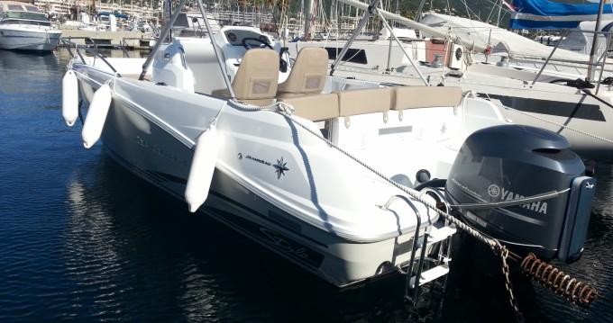 Alquiler de barcos Cavalaire-sur-Mer barato de Cap Camarat 6.5 CC