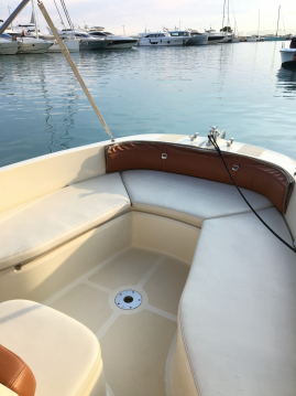 Alquiler de barcos Invictus  190 FX enSaint-Laurent-du-Var en Samboat