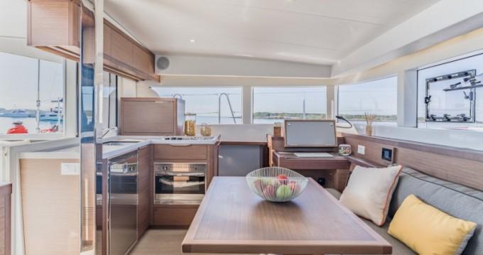 Catamarán para alquilar Limassol al mejor precio
