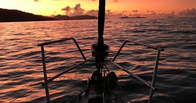 Alquiler de barcos Eden Island barato de Gib sea 472