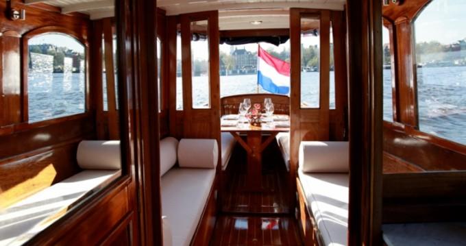 Alquiler de Aemstelland Canalboat en Ámsterdam