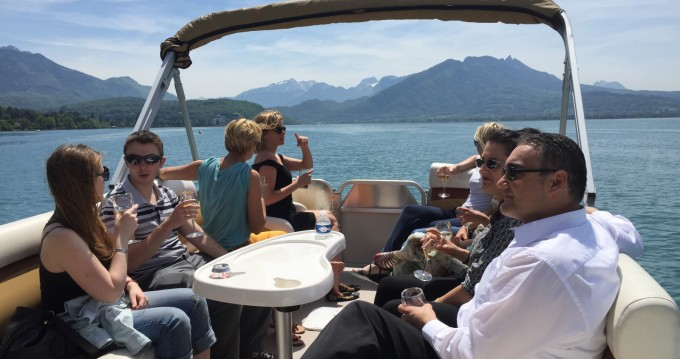Sun Tracker Party Barge 24 DLX entre particulares y profesional Annecy