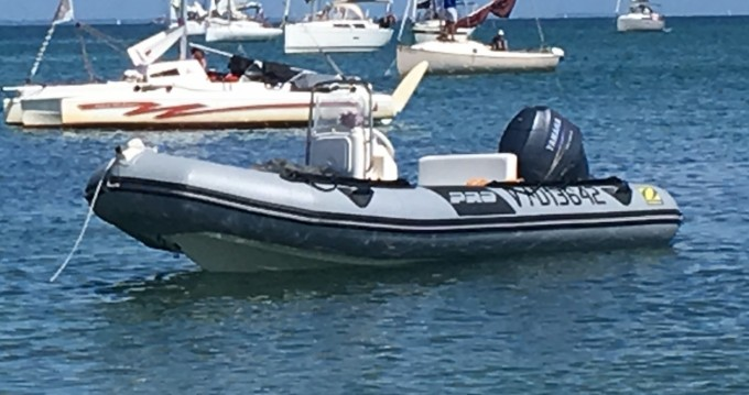 Alquiler de barcos Zodiac Flotteur Pro 9 Man enErdeven en Samboat