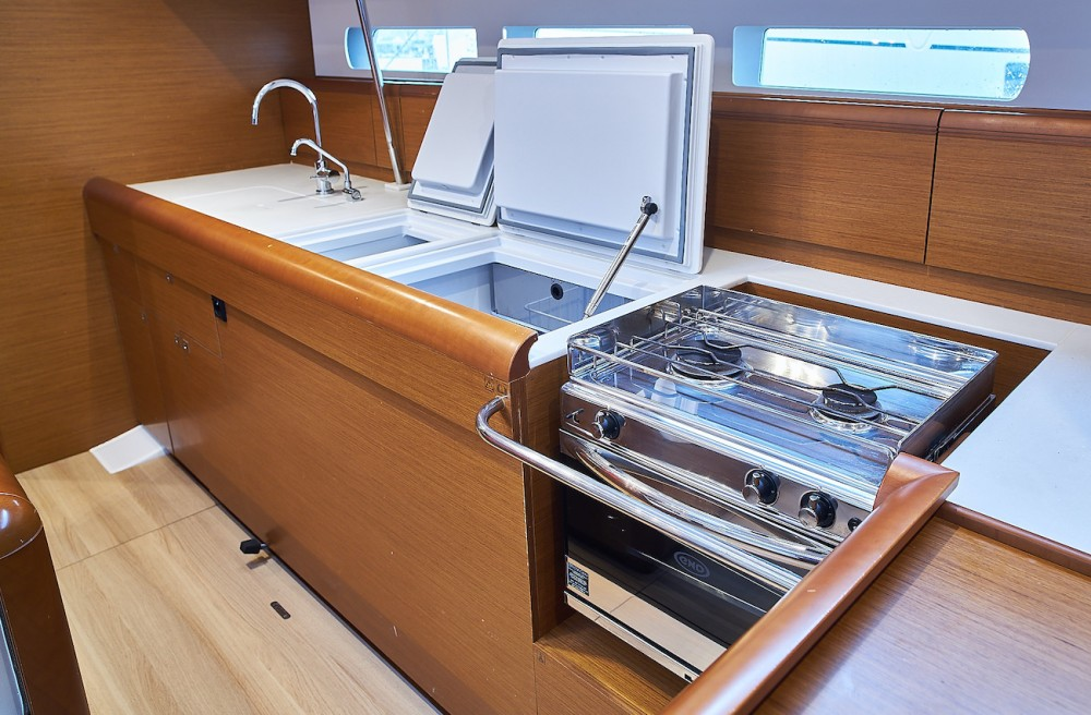 Alquiler de barcos  barato de Sun Odyssey 519