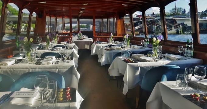Alquiler de Aemstelland Salonboot en Ámsterdam