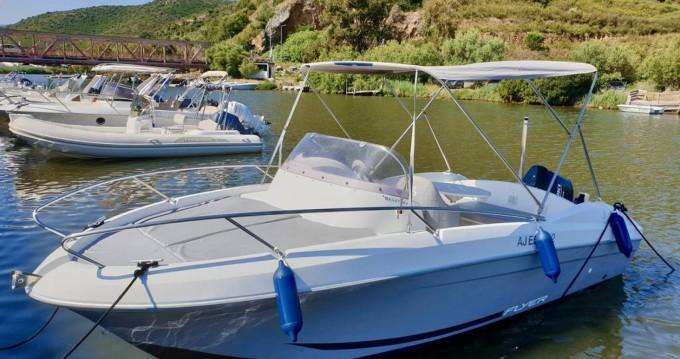 Alquiler de barcos Bénéteau Flyer 650 Sun Deck enSaint-Florent en Samboat