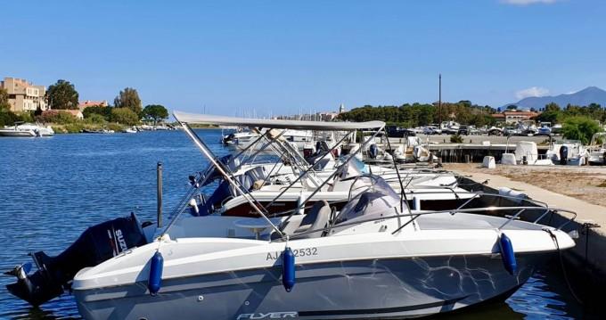 Alquiler de yate Saint-Florent - Bénéteau Flyer 650 Sun Deck en SamBoat