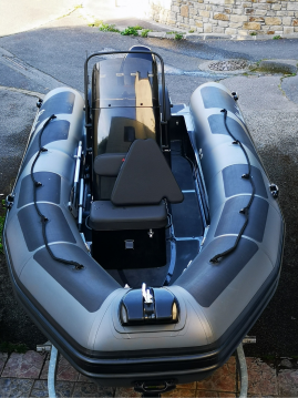 Alquiler Neumática en Brest - Adventure Vesta 550 XL