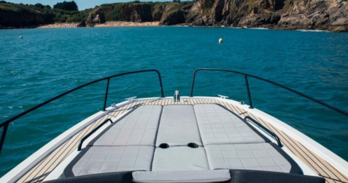 Alquiler de barcos Bandol barato de Flyer 8 SUNdeck