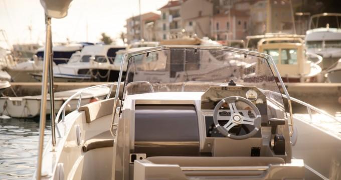 Alquiler de barcos Atlantic open 670 enPodgora en Samboat
