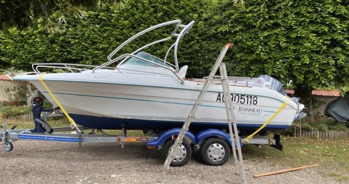 Alquiler de barcos Jeanneau Cap Camarat 615 WA enMontsauche-les-Settons en Samboat