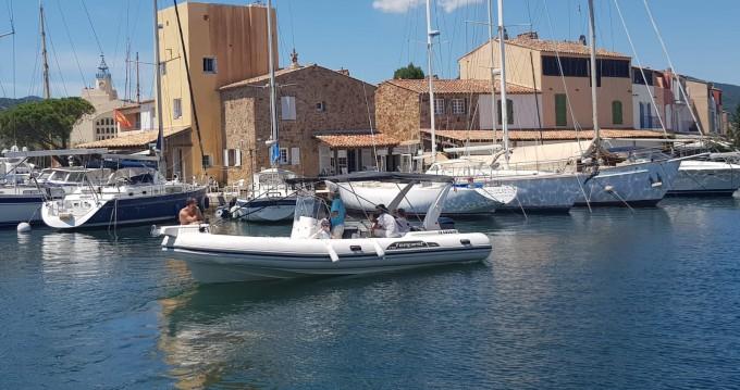 Alquiler de barcos Capelli Tempest 770 enGrimaud en Samboat