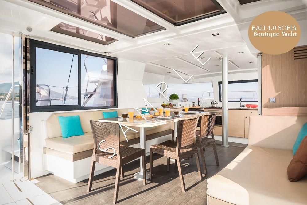 Alquiler Catamarán Catana con título de navegación