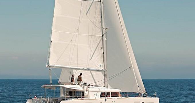 Alquiler de barcos San Salvo barato de Lagoon 450 F