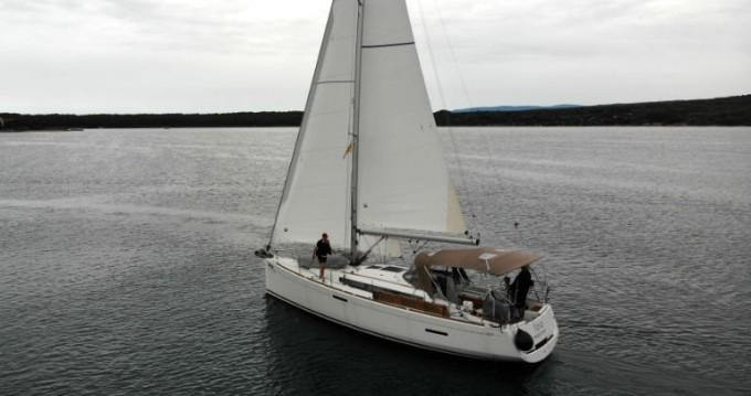 Alquiler de yate Punat - Jeanneau Sun Odyssey 389 en SamBoat