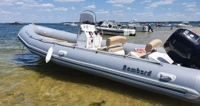Alquiler Neumática Bombard con título de navegación