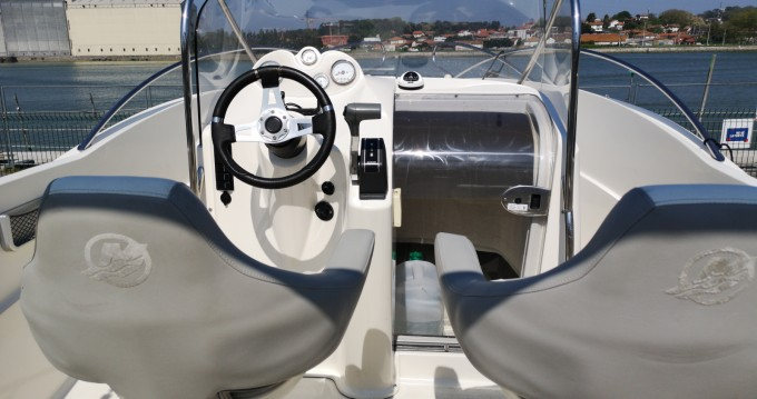 Alquiler de barcos Quicksilver Quicksilver 635 Commander enAnglet en Samboat