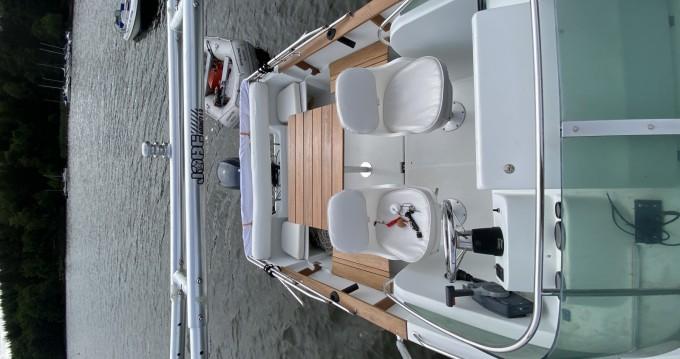 Alquiler de barcos Montsauche-les-Settons barato de Cap Camarat 615 WA