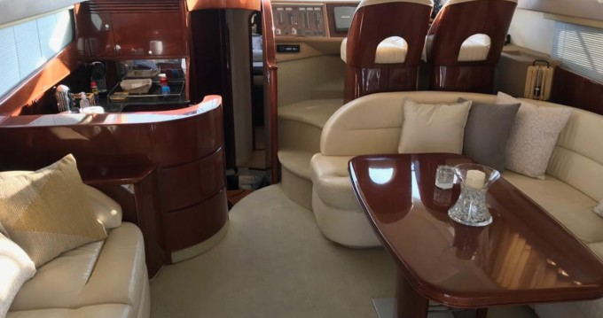 Alquiler de barcos Princess Princess 50 Fly enCannes en Samboat