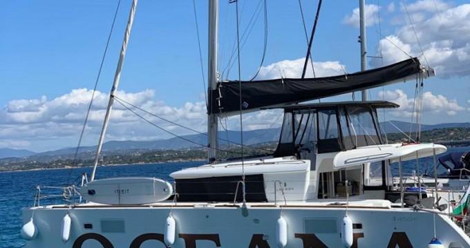 Alquiler de barcos Álimos barato de Lagoon 450 F