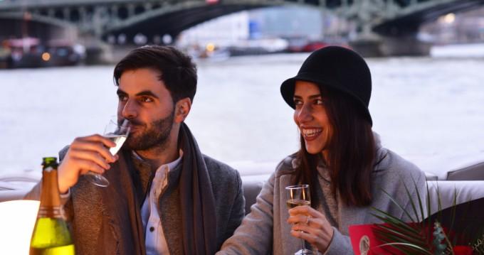 Alquiler de yate Paris - Suntracker Party barge en SamBoat